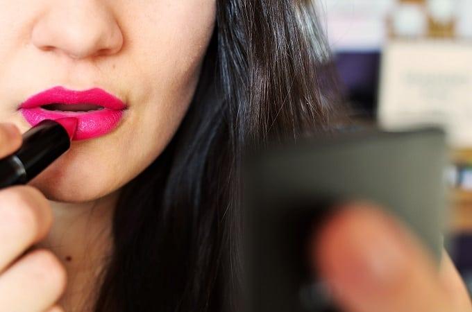 woman-makeup-INNER-beauty-lipstick